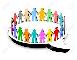 12034925-la-gente-de-pie-en-círculo-en-la-burbuja-del-discurso
